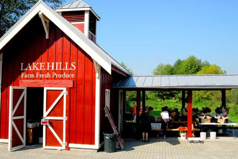 Lake Hills Greenbelt Produce Stand