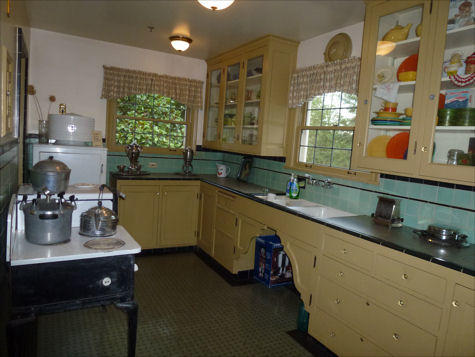 Winters House - kitchen